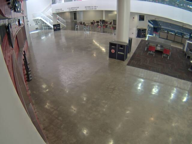 Steak and Shake webcam image